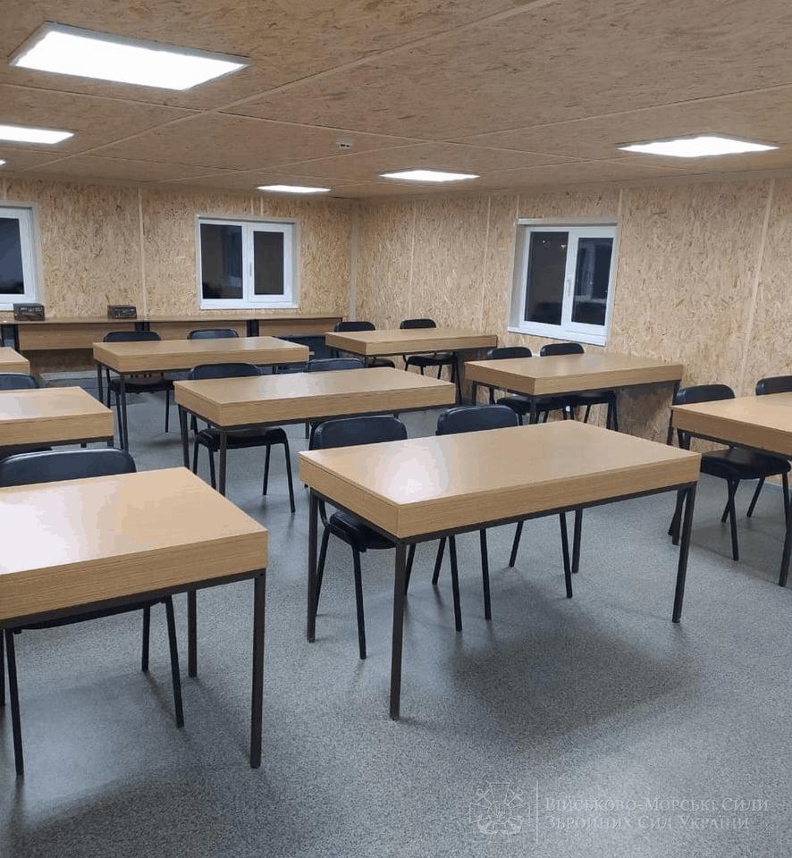 Навчальний класу у адмінбудівлі Водолазної школи