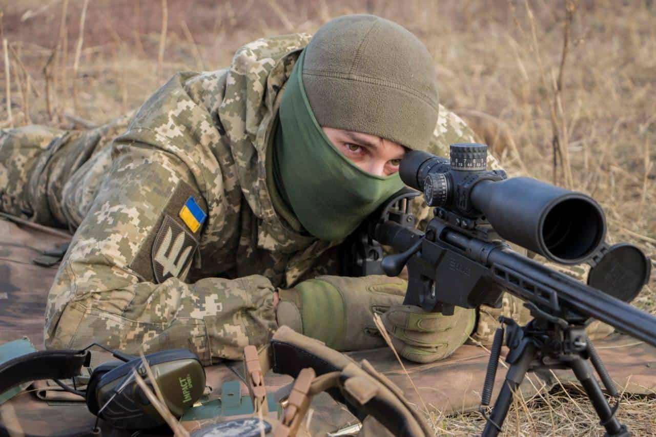 Гвинтівка Savage-110 бійця 92 ОМБр. Січень 2021. Фото: ЗСУ