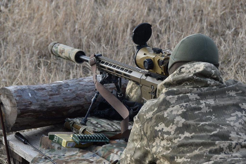 Гвинтівка UAR-10 бійця 92 ОМБр. Січень 2021. Фото: ЗСУ