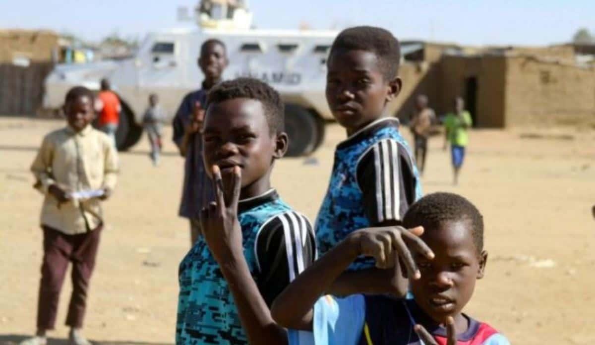 Миротворча місія ЮНАМІД у кризовому регіоні Судану Дарфур. Фото з відкритих джерел
