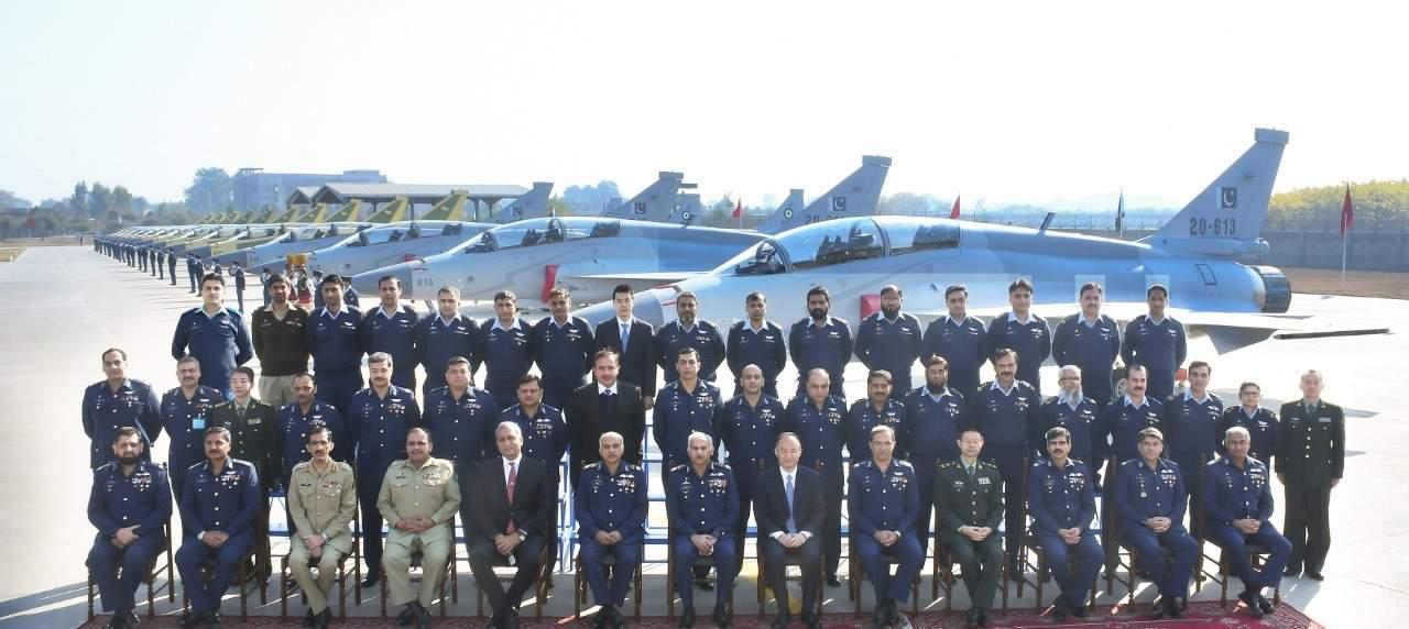 Церемонія передачі Пакистану 14 винищувачів JF-17B. Фото: ЗМІ Пакистану