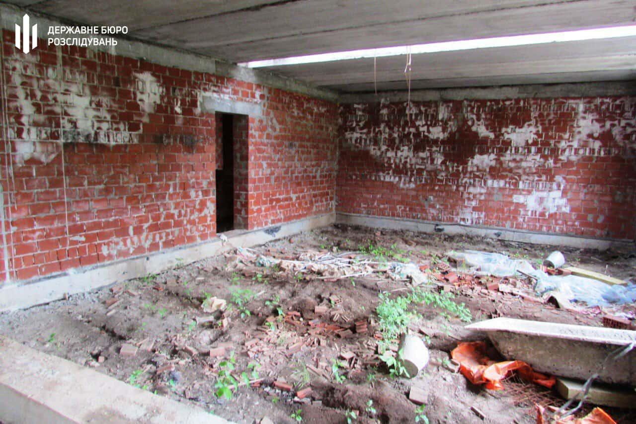 Недобудована казарма у Донецькій області. Фото: ДБР
