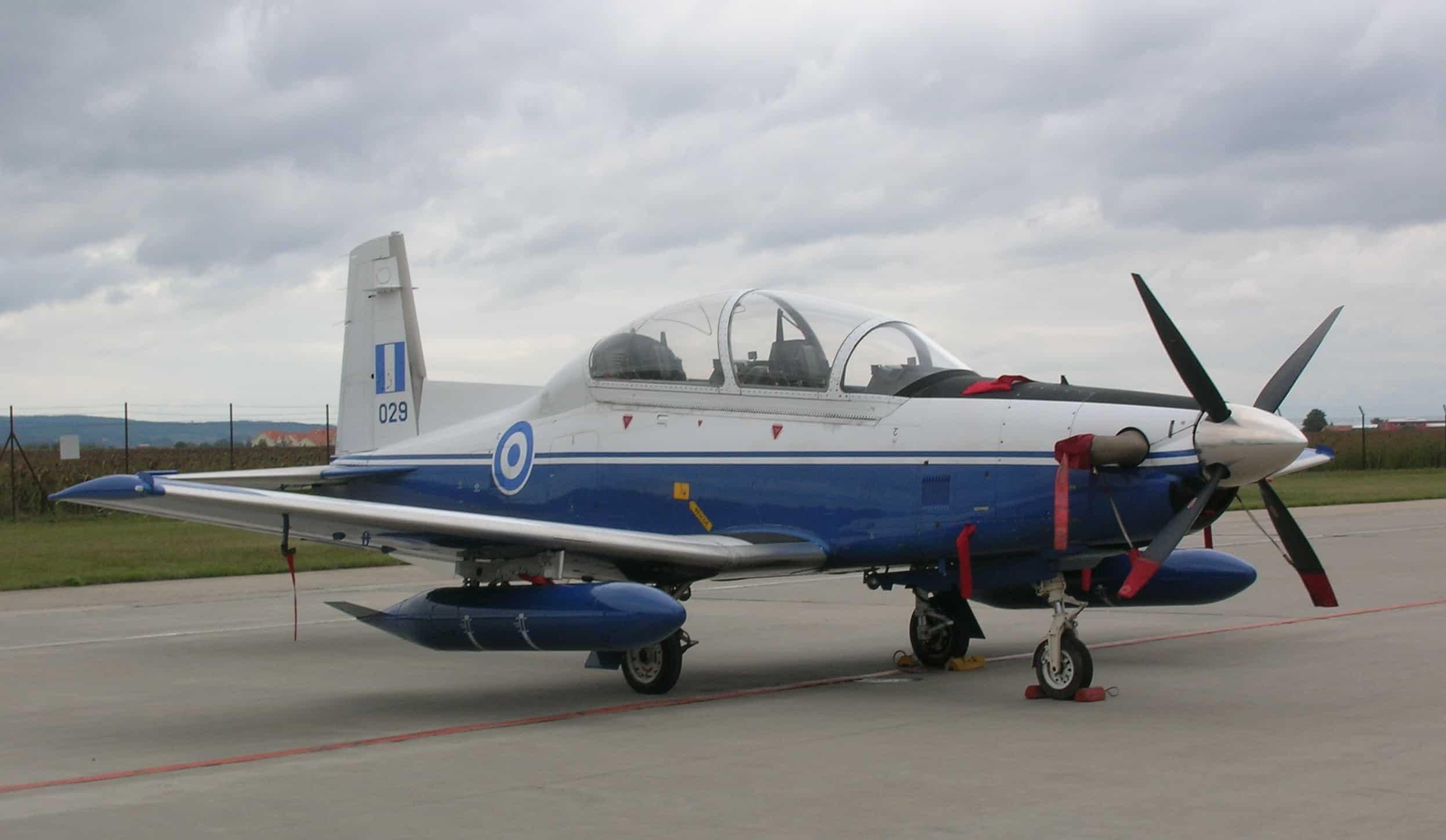 Навчальний тренувальний літак Raytheon T-6A Texan II Повітряних сил Греції