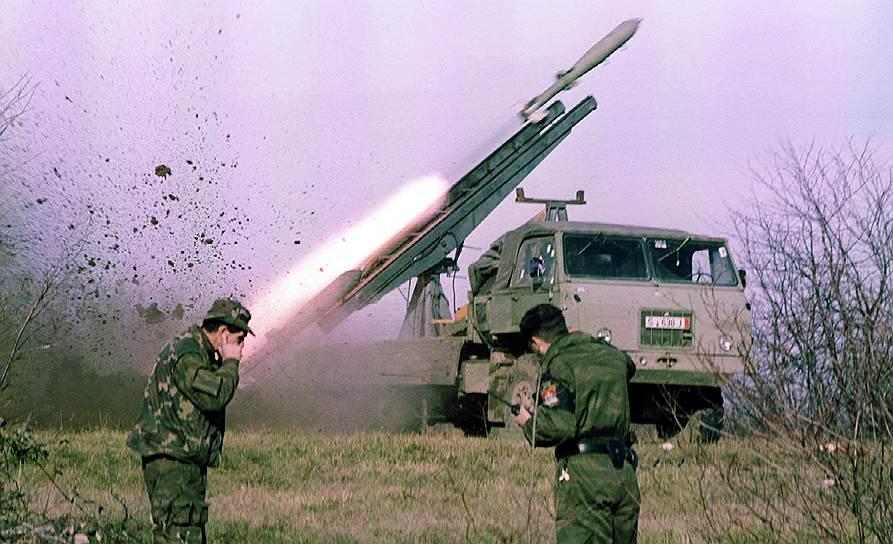 Запуск некерованого снаряду з установки Košava 1