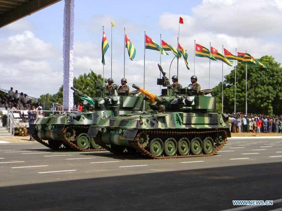 Бойові машини CVR (T) збройних сил Того на військовому параді