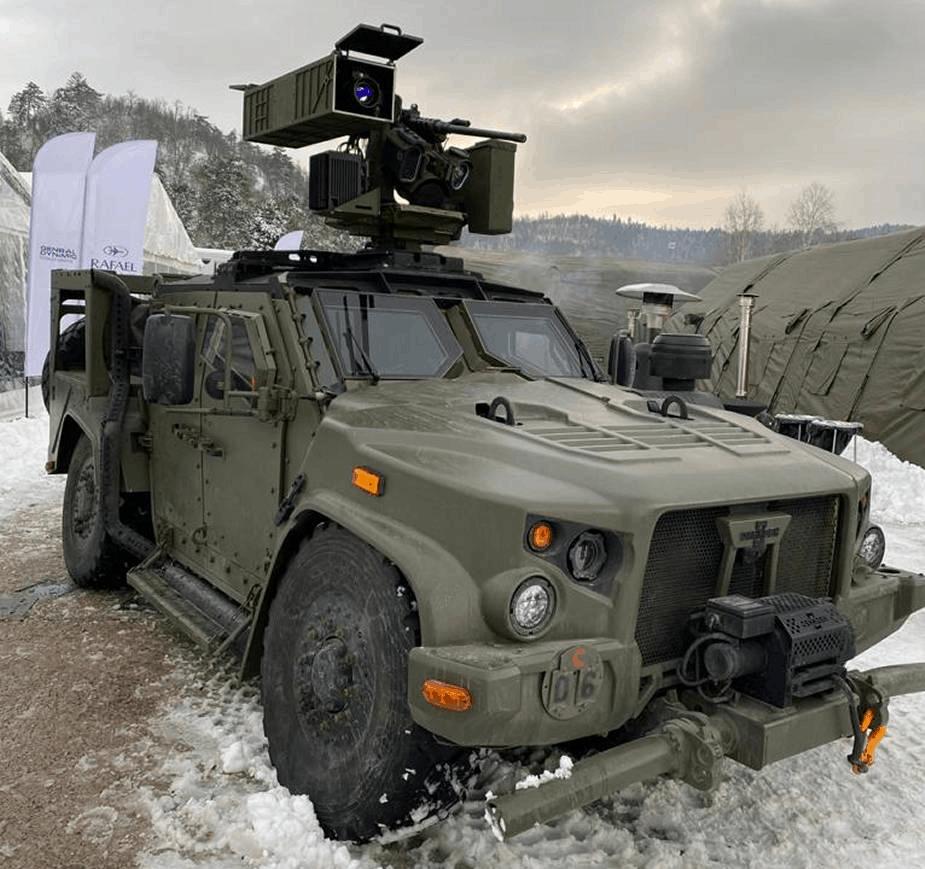 Бойова машина JLTV з бойовим модулем Kongsberg Protector з керованими ракетами Spike LR