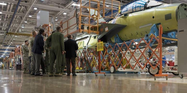 Процес виробництва винищувача F-15