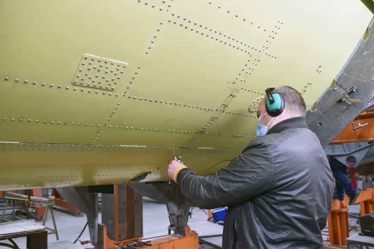 Процес збирання фюзеляжу літака Ан-178 для Повітряних Сил ЗСУ