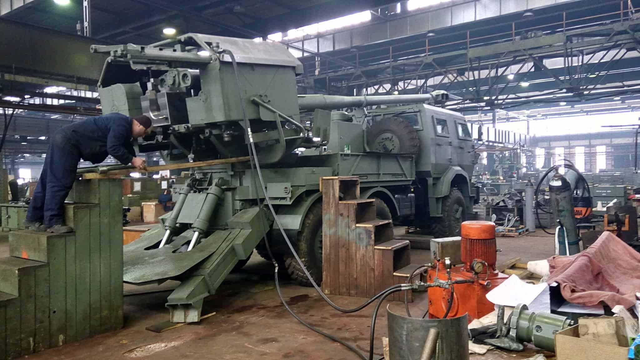 САУ H-155 з Боснії та Герцоговини під час збирання на підприємстві BNT