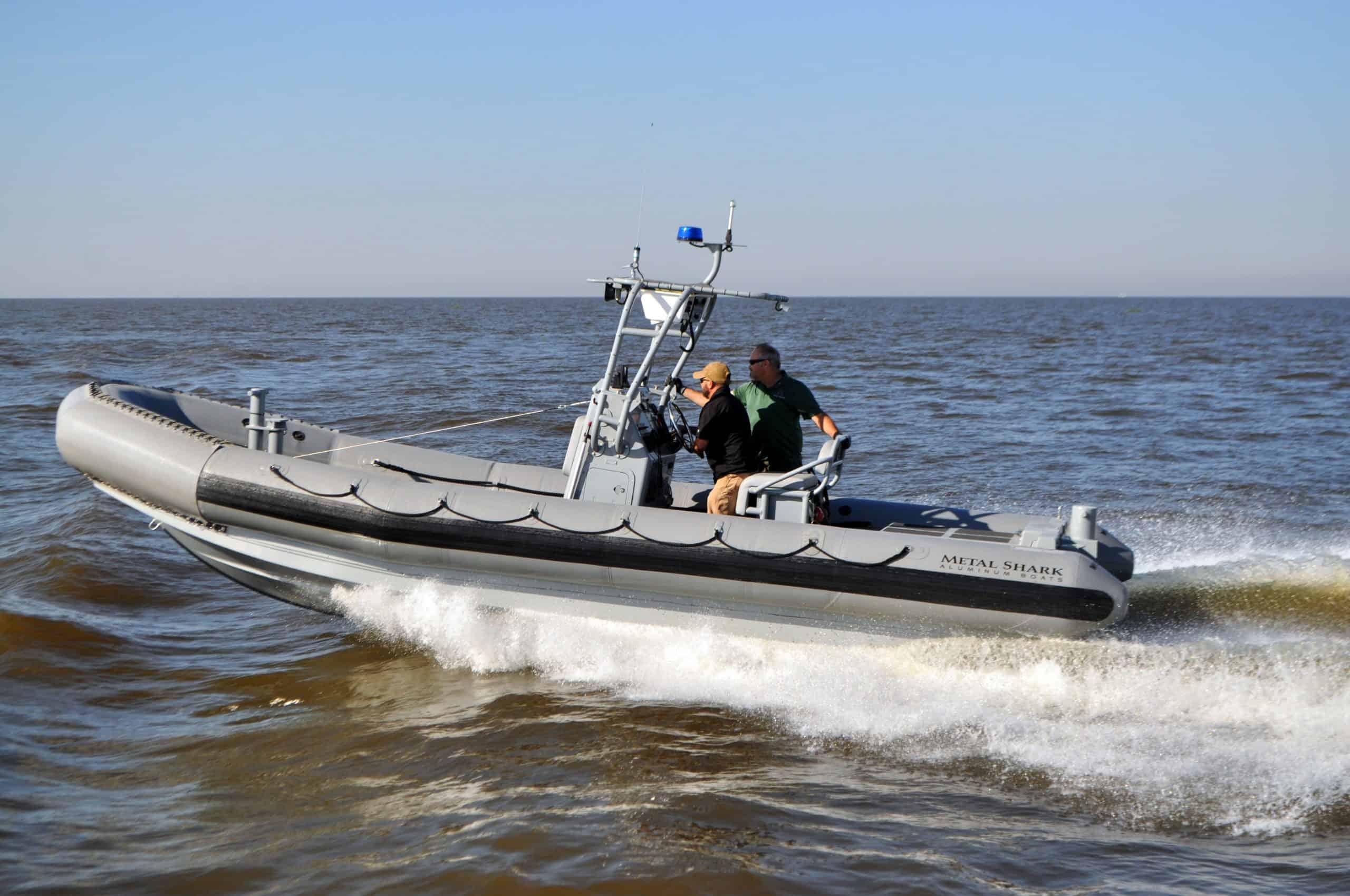 Швидкісний човен виробництва Metal Shark
