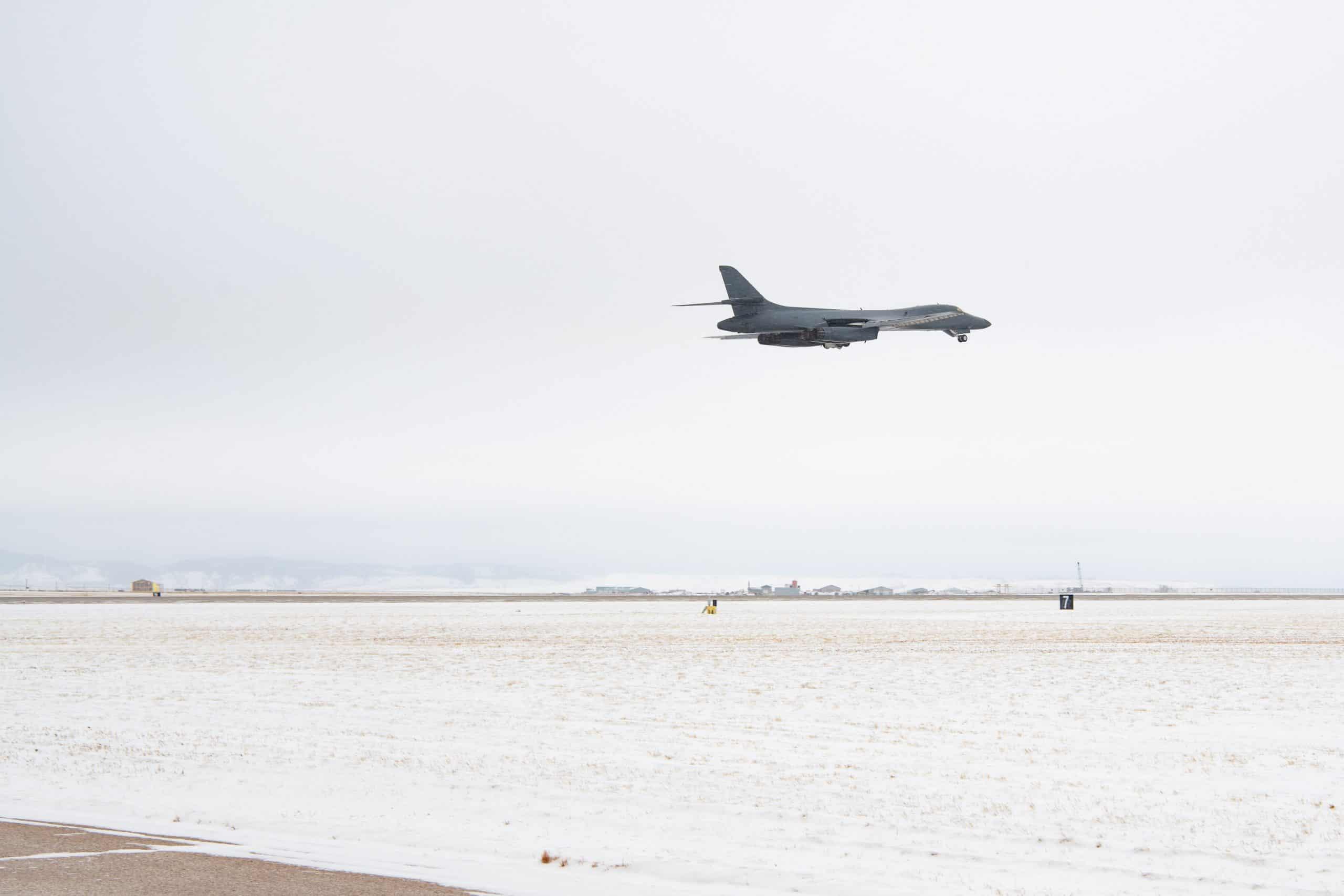 Стратегічний бомбардувальник B-1B Lancer