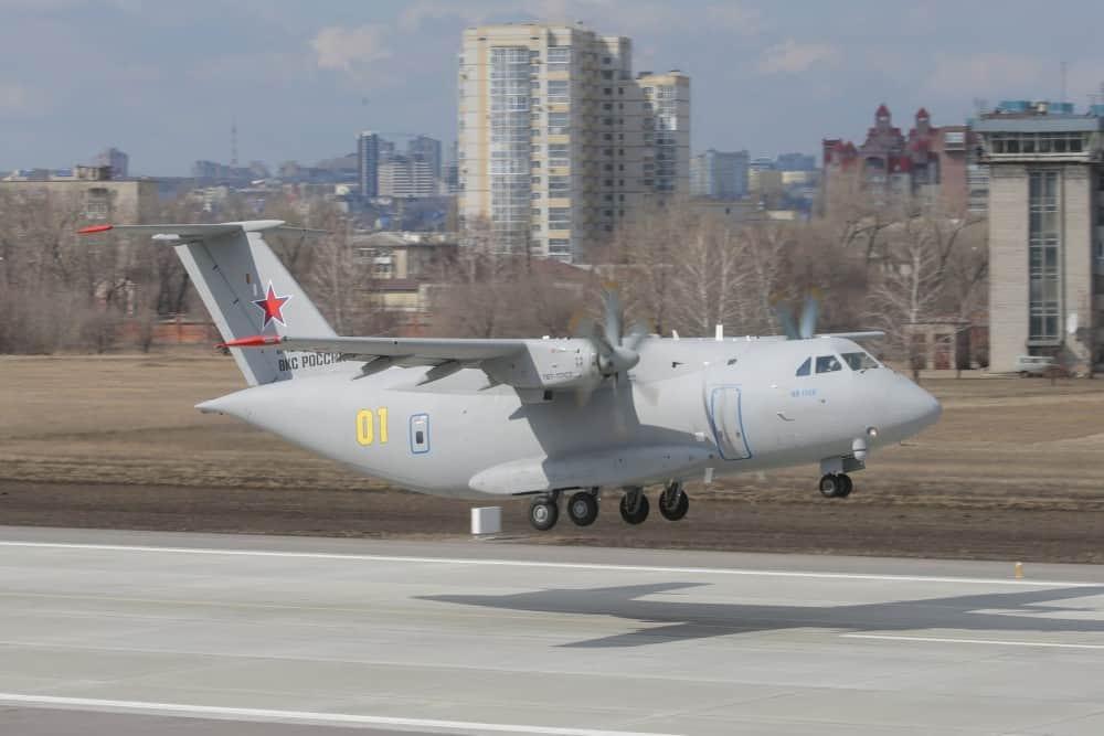 Другий політ військово-транспортного літака Ил-112В