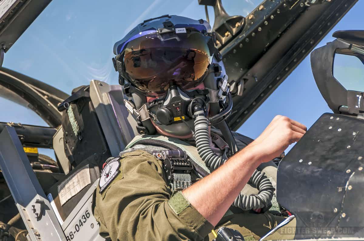 Льотчик F-16CM Block 40 з 421 FS на Hill AFB починає запускати свій літак