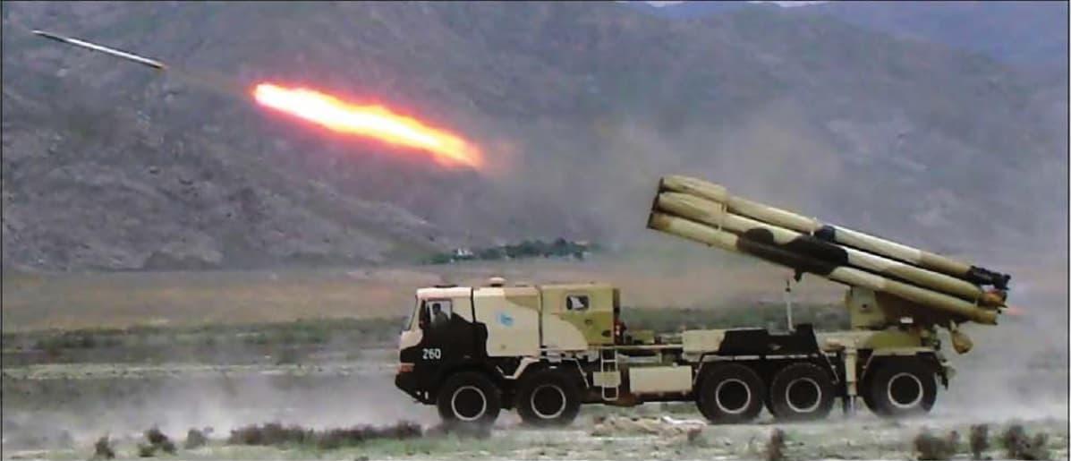 Пускова установка 300-мм реактивних снарядів на базі TATRA 816 LIWA