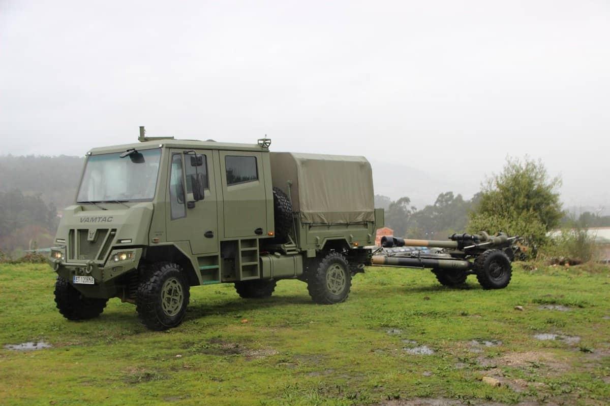 URO VAMTAC SK95 у варіанті артилерійського тягача
