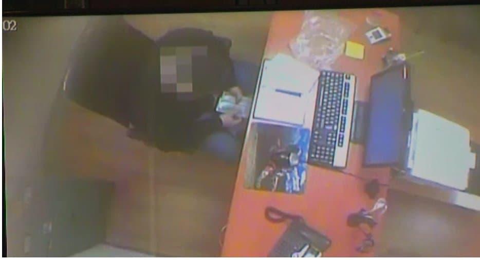 Затриманий перераховує кошти отримані за шпигунську діяльність
