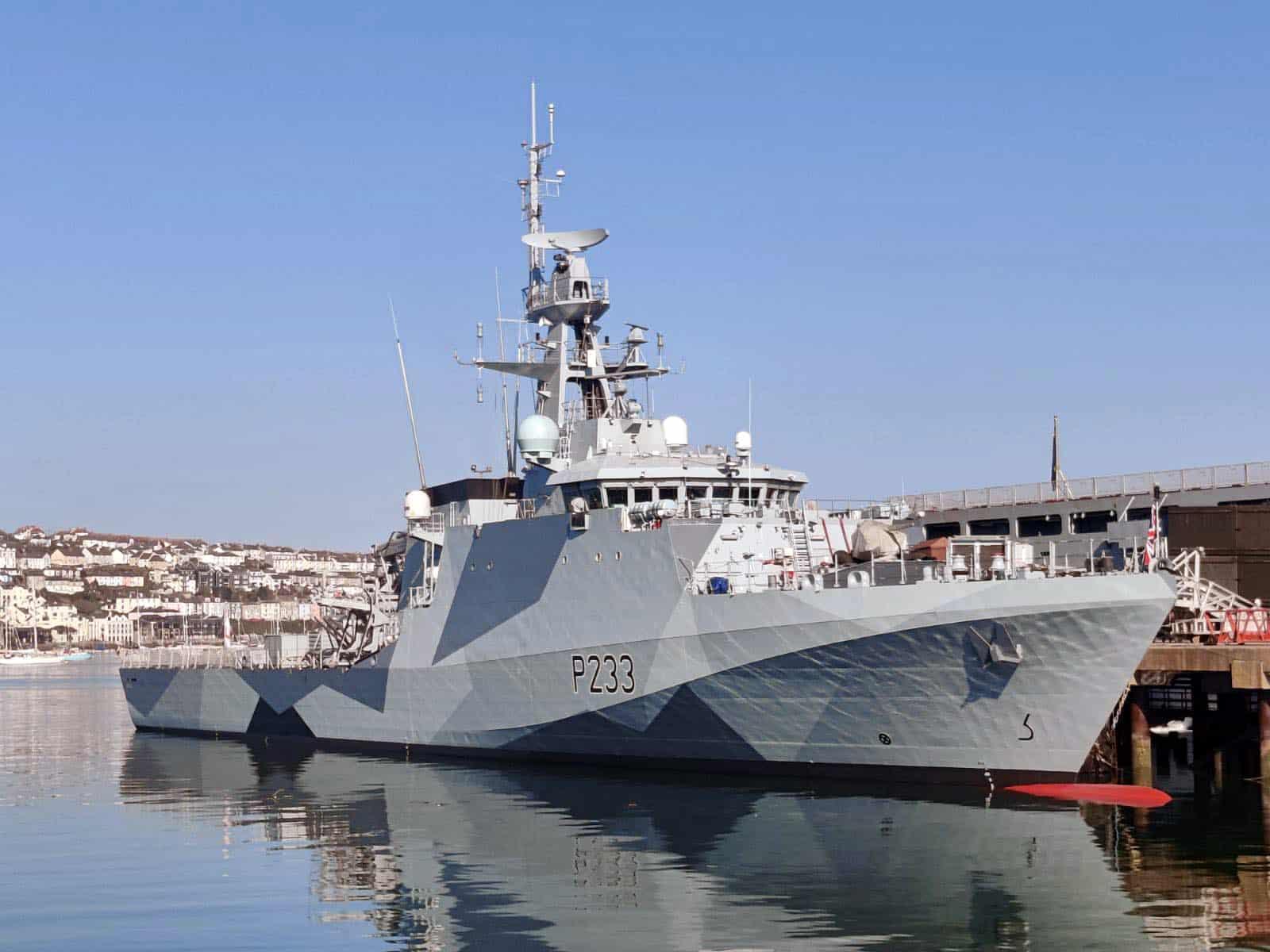 HMS Tamar у новій лівреї