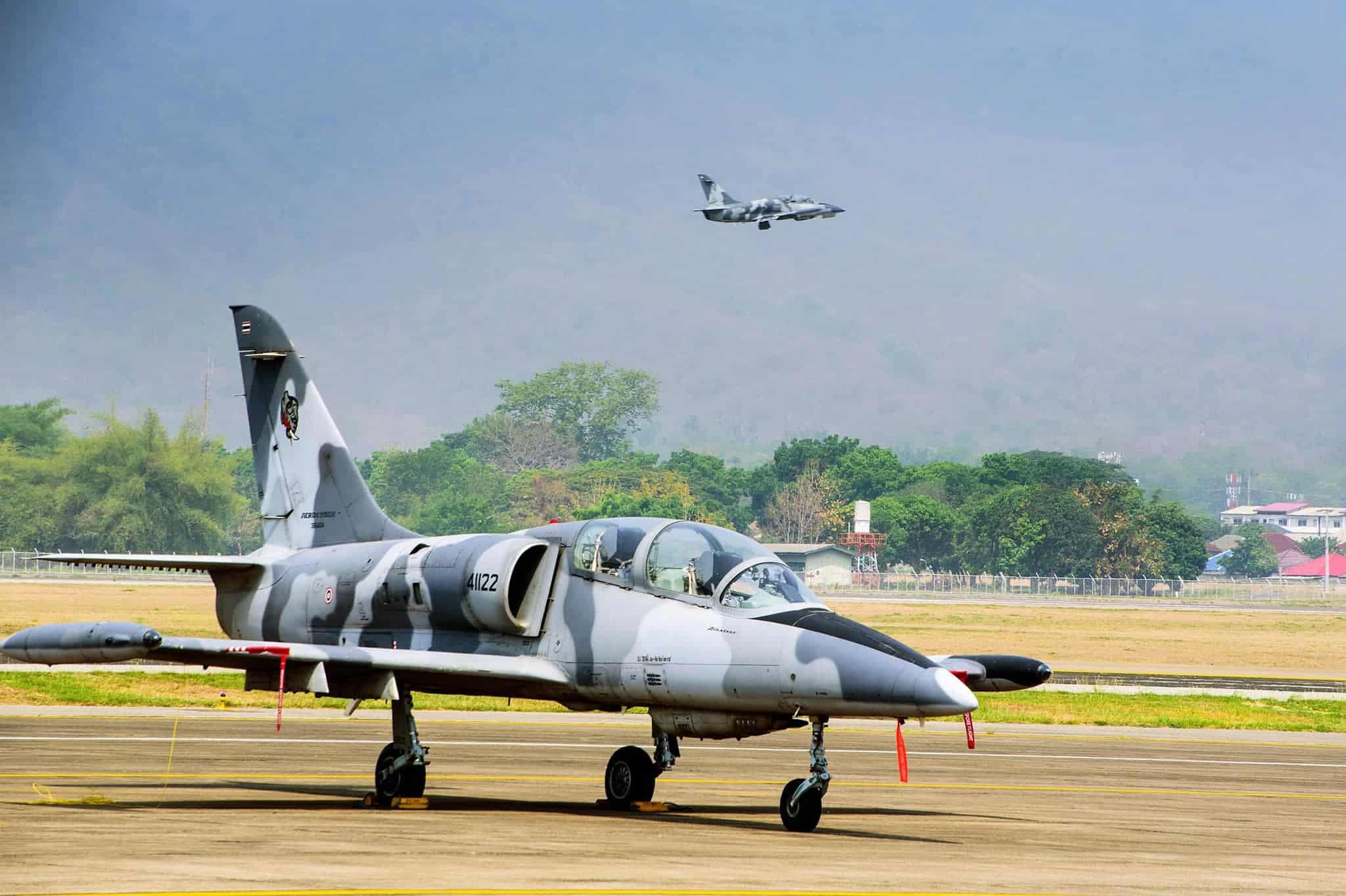 Легкі реактивні штурмовики L-39ZA Повітряних сил Таїланду