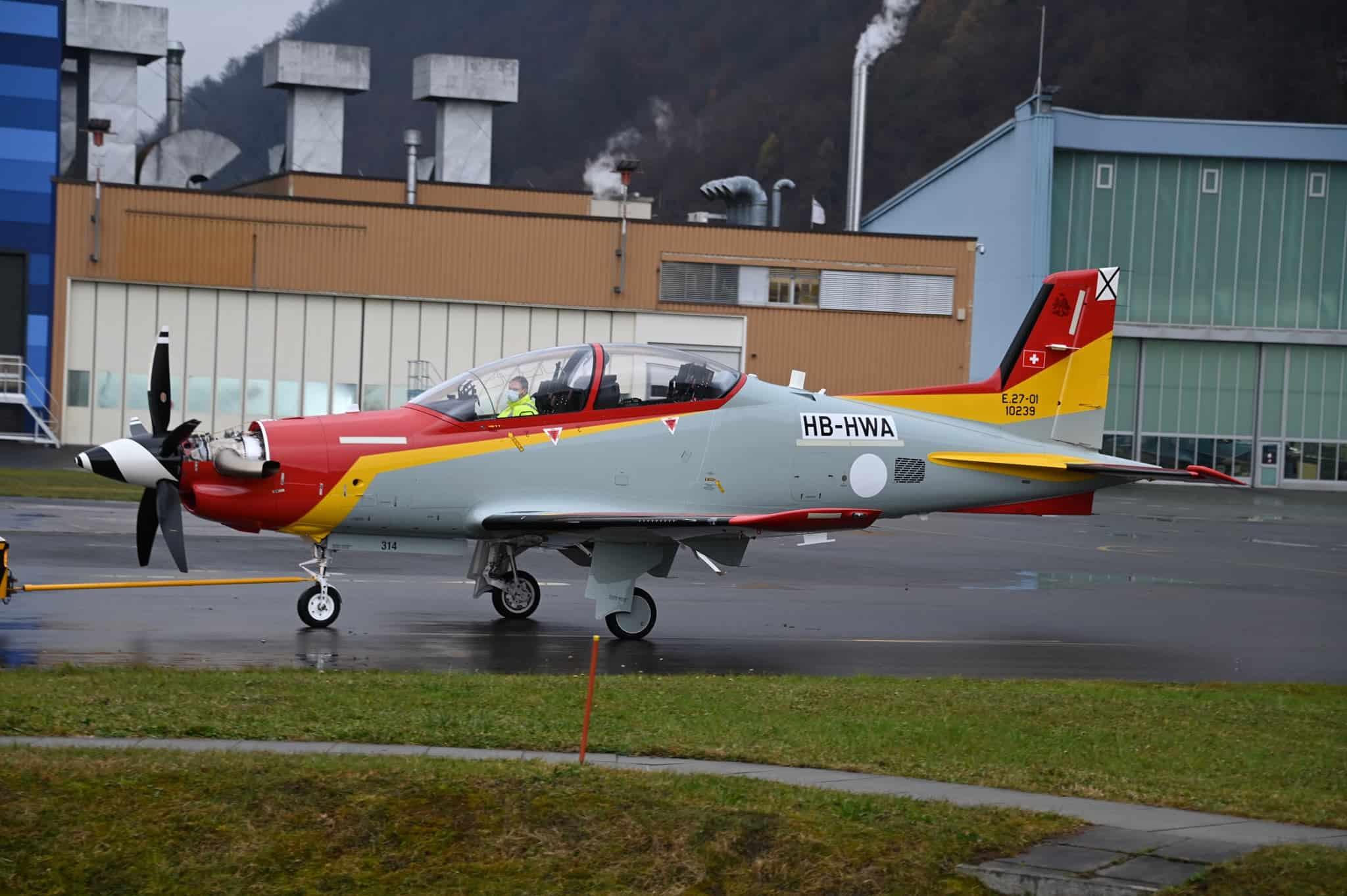 Перший політ літака PC-21 для Повітряних сил Іспанії на обкатці