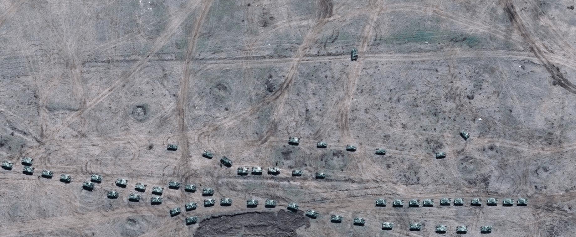 Російські ВДВ на полігоні Ангарський у Криму. Супутникове зображення, зроблене 15 квітня. © 2021 Maxar Technologies