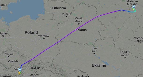 Рейс Austrian Airlines з Москви до Відня летить над повітряним простором Білорусі