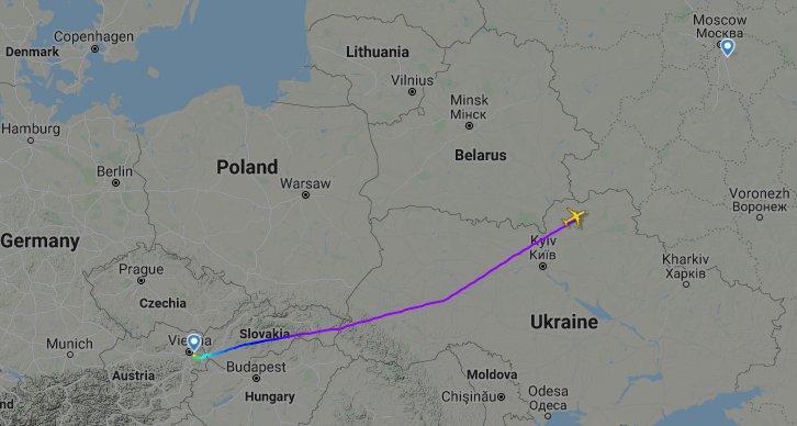 Рейс Austrian Airlines з Відня до Москви летить в обхід Білорусі