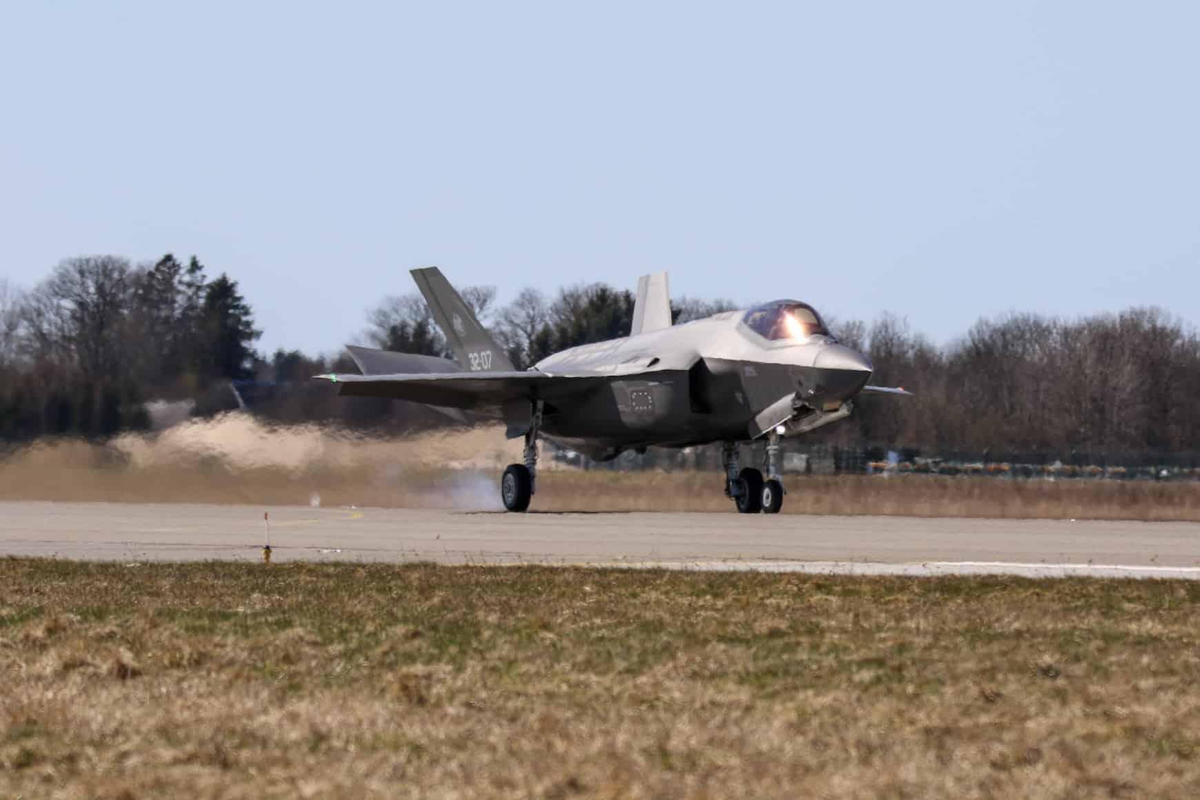 Винищувач F-35 Повітряних сил Італії на авіабазі Емарі в Естонії
