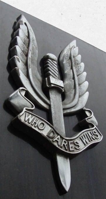Ну як тут не прикріпити цю чудову емблему?