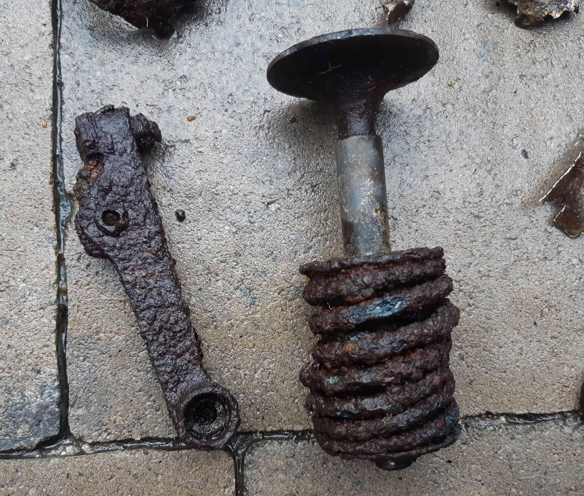 клапан від двигуна Jumo 211 (були на Юнкерс 88 та Хейнкель 111)