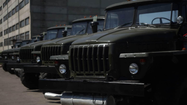 Вантажні автомобілі Урал-4320