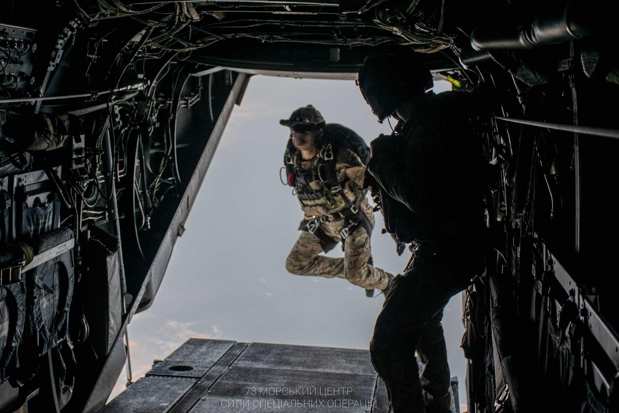 Десантування морських спецпризначенців ССО України з V-22 Osprey 1