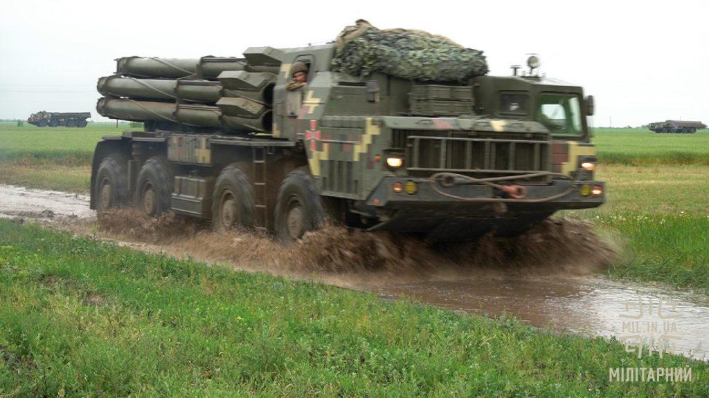 Реактивна система залпового вогню «Смерч» поблизу Криму