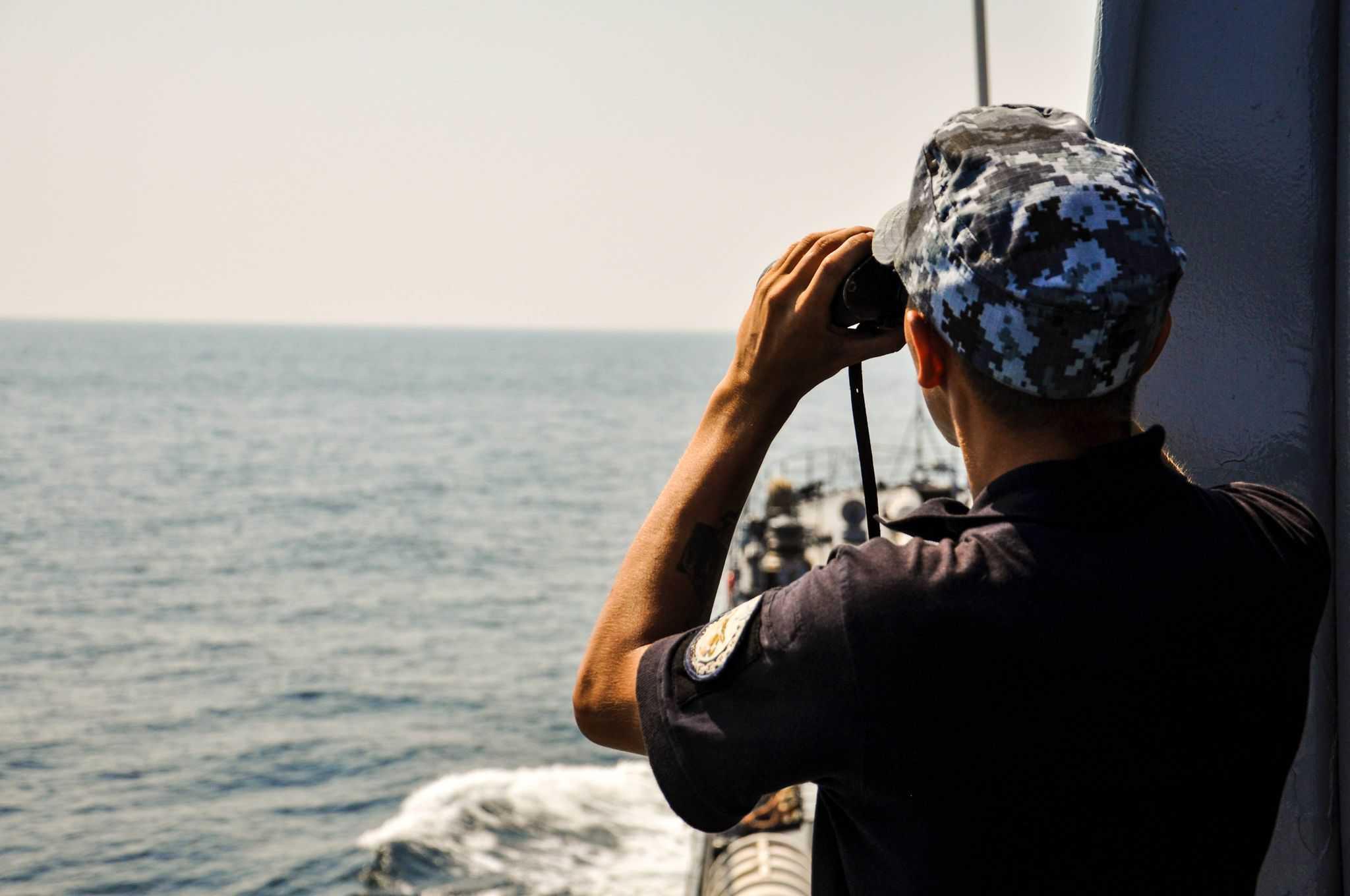 Спостереження за надводною обстановкою на кораблі «Юрій Олефіренко»