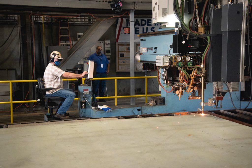 Церемонії різання першої сталі для будівництва авіаносця «Doris Miller» (CVN-81). Серпень 2021. Фото: Huntington Ingalls Industries