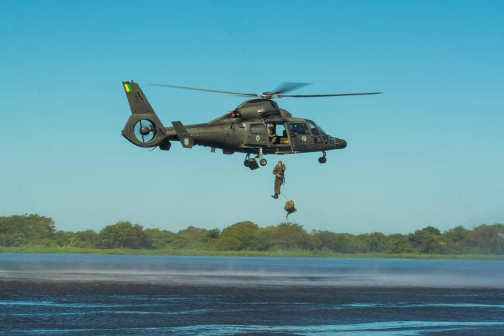 Бразильський гелікоптер HM-1 Pantera k2