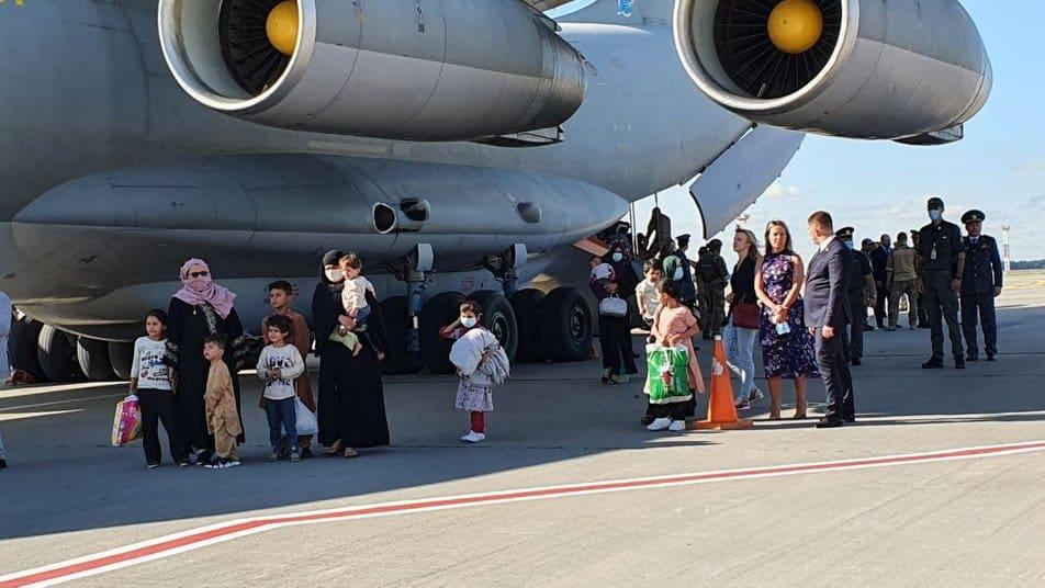 Евакуйовані з Афганістану громадяни
