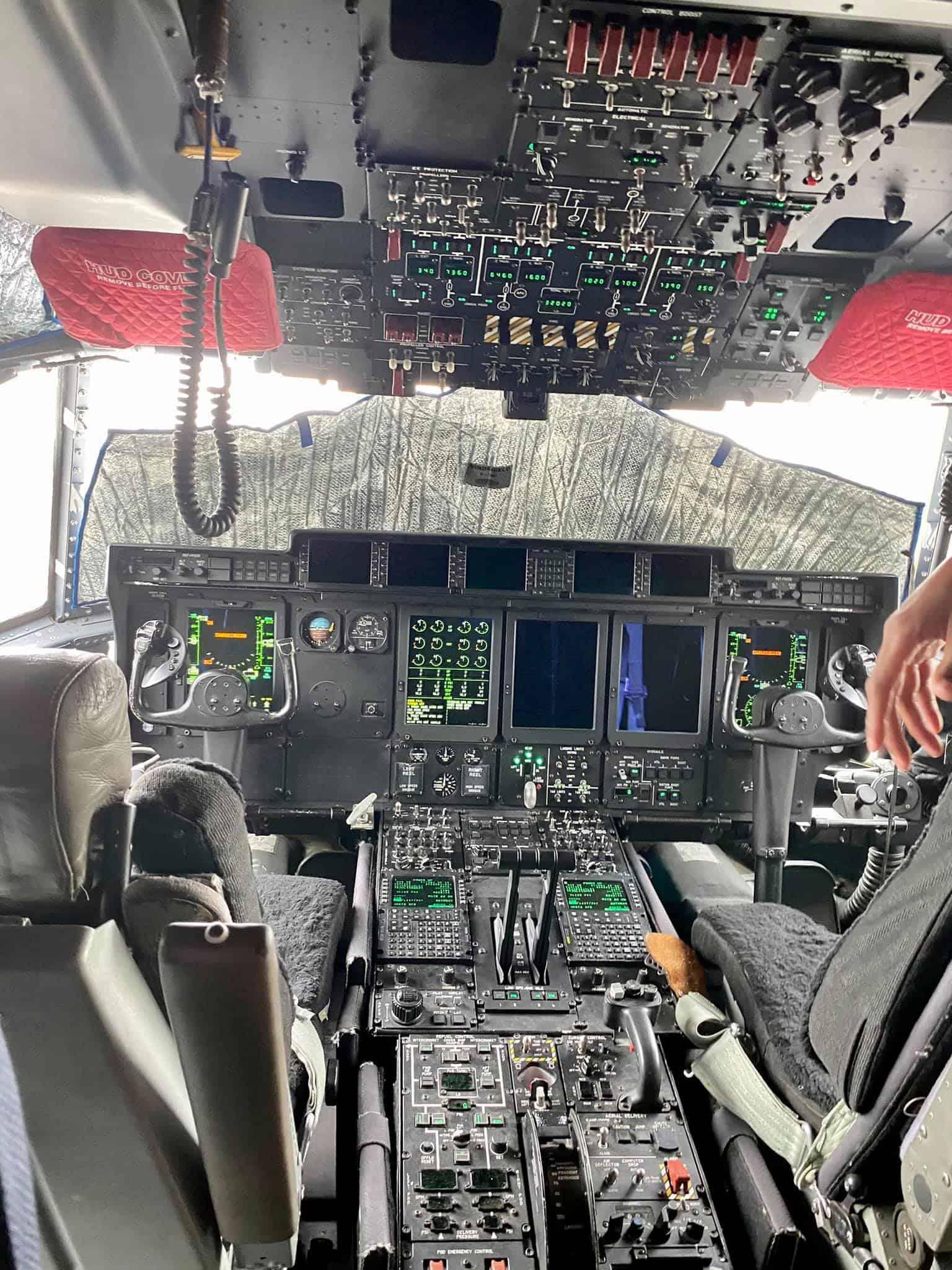 Кабіна пілота літака MC-130