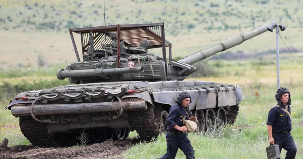 Танк Т-72Б3 ЗС РФ з новим захистом. Серпень 2021