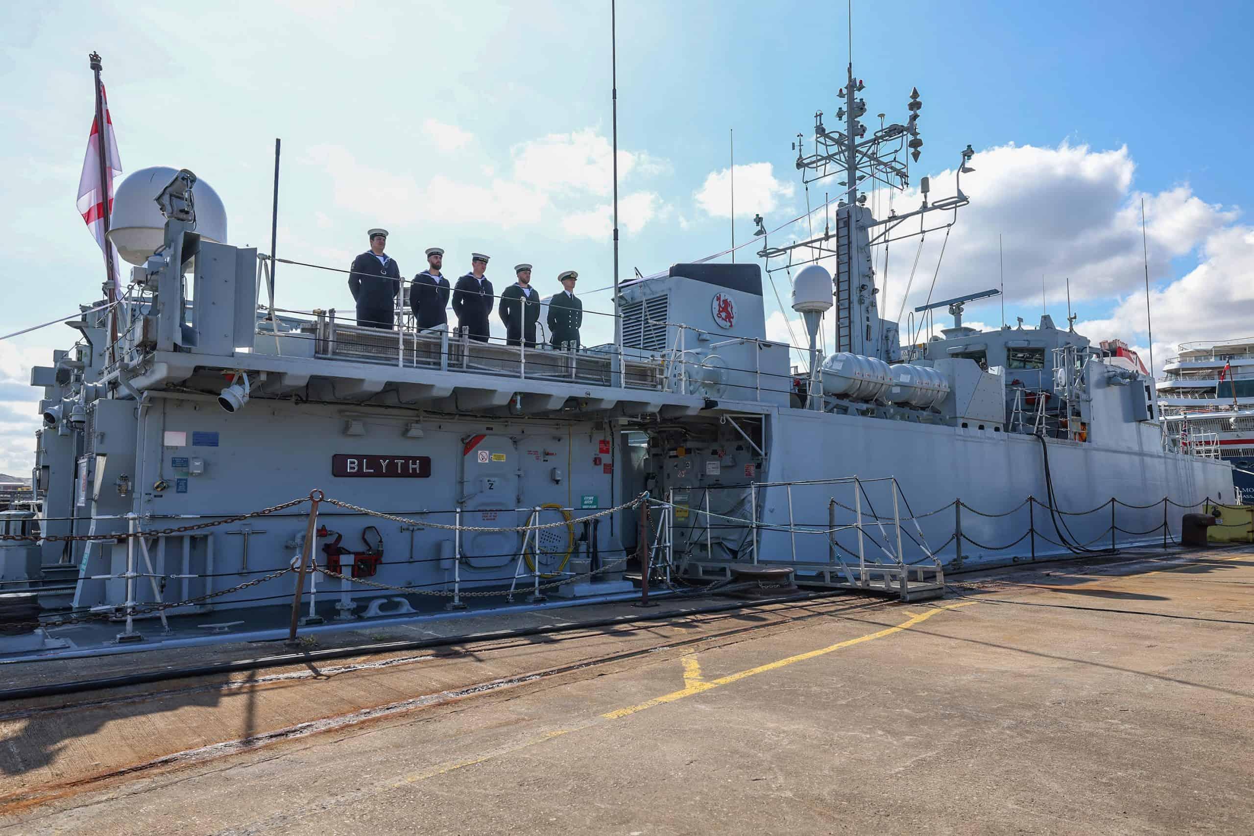 Урочиста церемонія виведення зі складу Королівського флоту тральщика HMS Blyth
