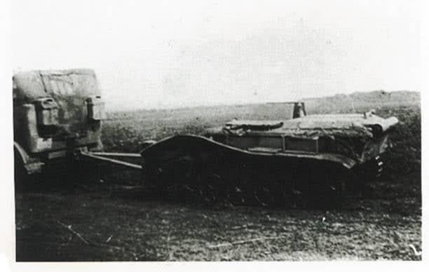 Евакуація пошкодженої машини з поля бою