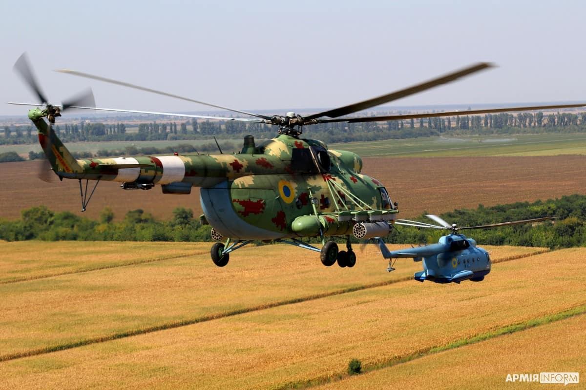Гелікоптери Мі-8МСБ-В та Мі-14 10-ї морської авіаційної бригади