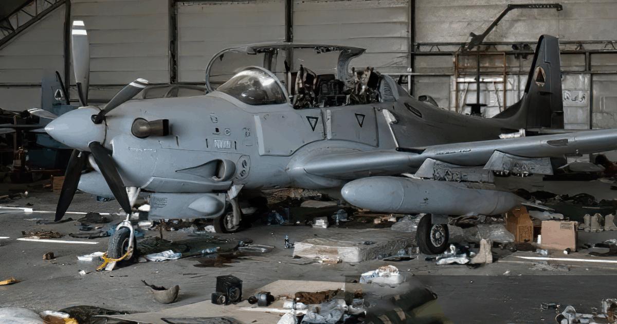 Літак A-29 «Super Tucano» Афганської армії покинутий в аеропорті Кабула. Серпень 2021
