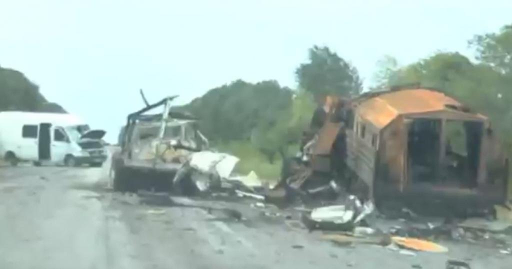"""Знищенні російські бронемашини КамАЗ-5350 """"Мустанг"""" на Донбасі у серпні 2014 року"""