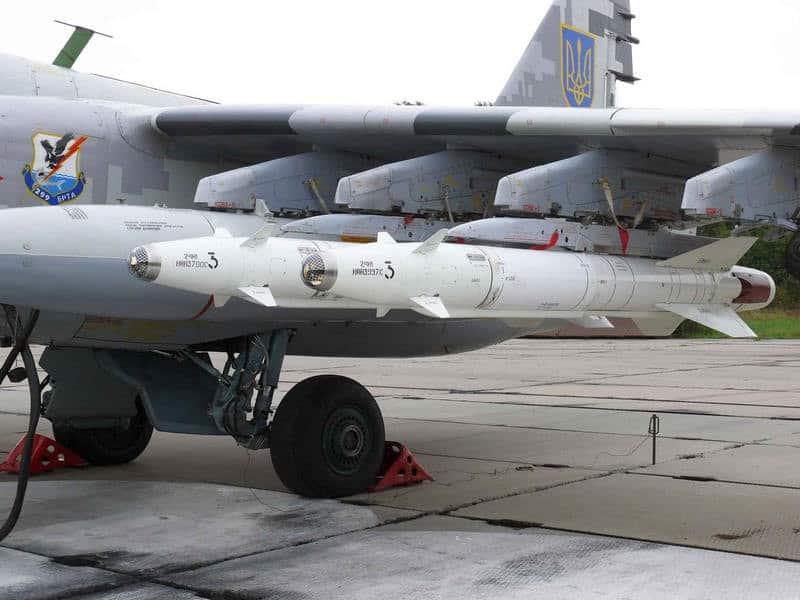 Ракети Х-25МЛ на штурмовику Су-25