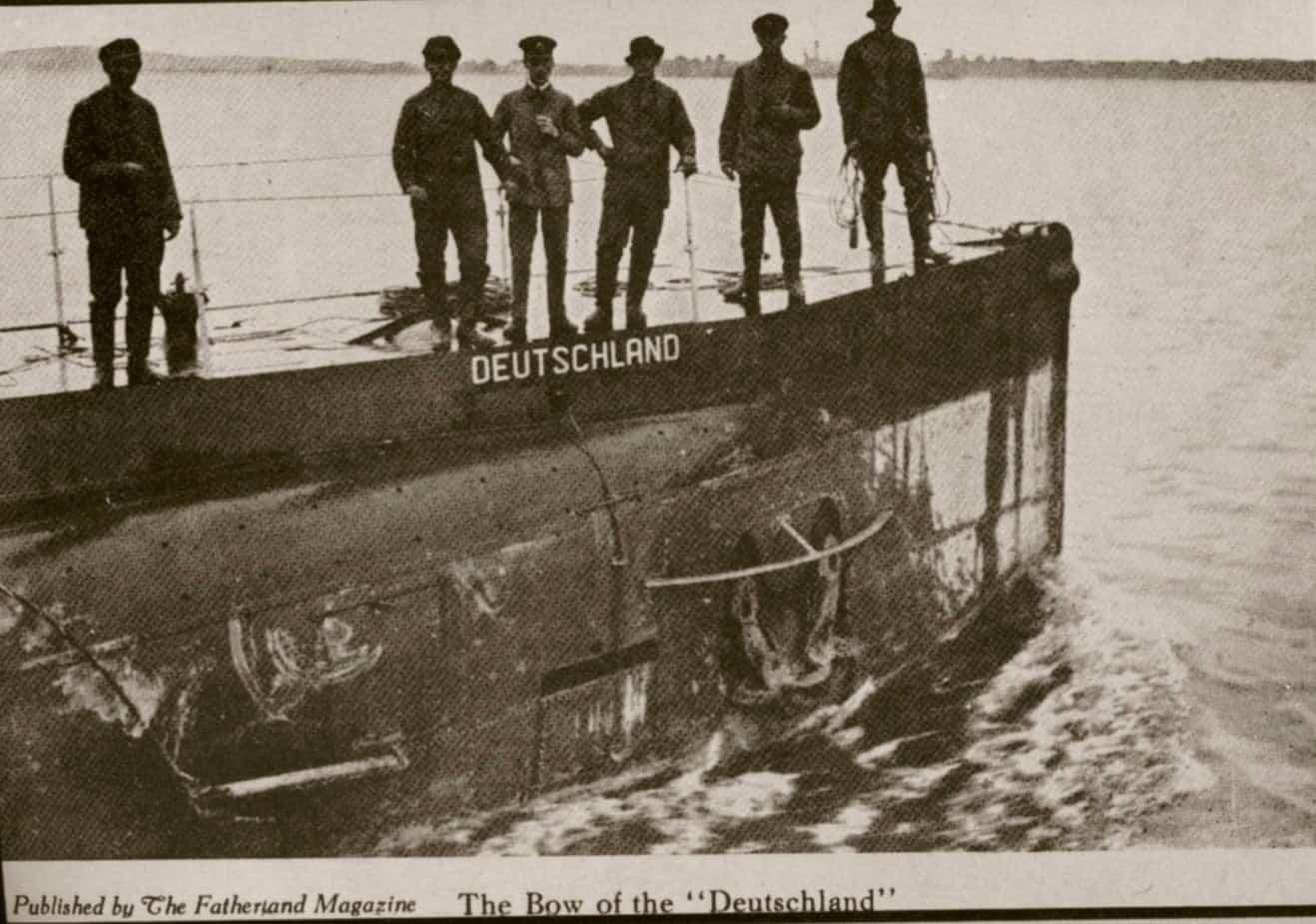 Власне ім'я на борту що нехарактерно для субмарини