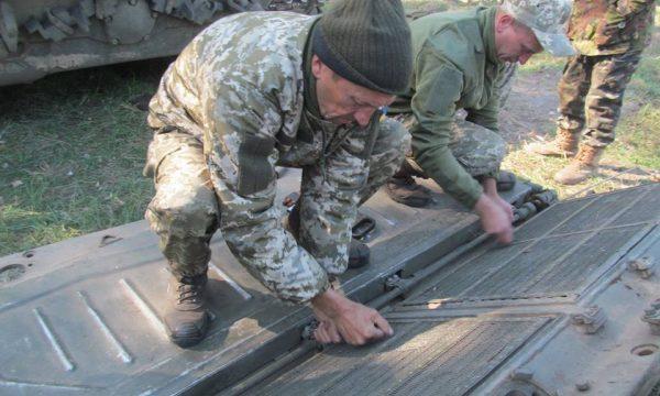 Підрозділи сил АТО готують техніку до зими